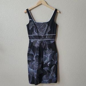 NWT WHBM Floral embroidered b/w sleeveless dress 2